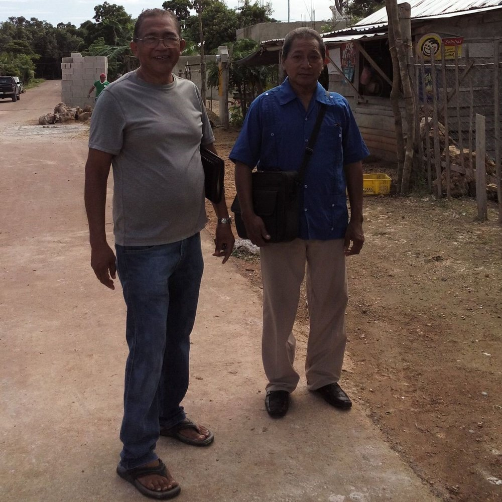 Francisco visiting homes in Chetumal with men from the church. Starting 2019 with Discipleship plans and goals.