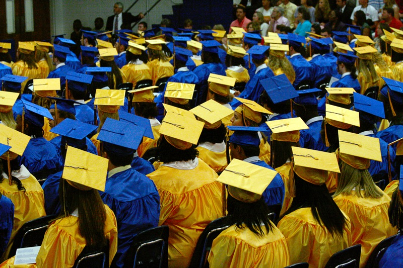 Graduates_of_Brunswick_High_in_2007.jpg