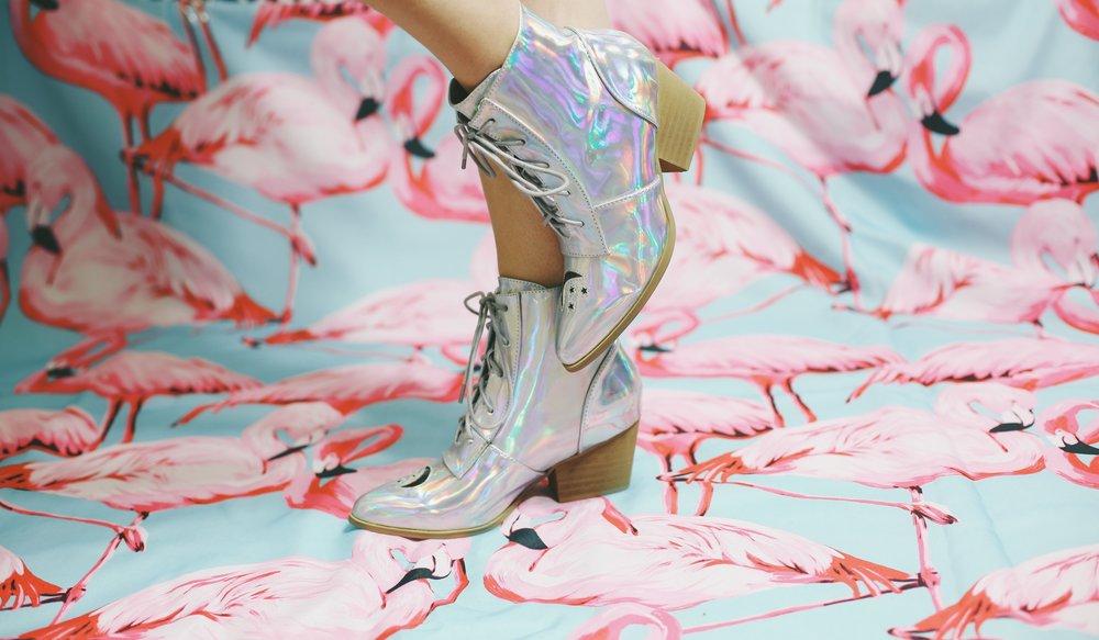 Y.R.U Aura Boots in silver