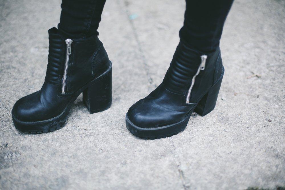 h&m chunky heeled boots