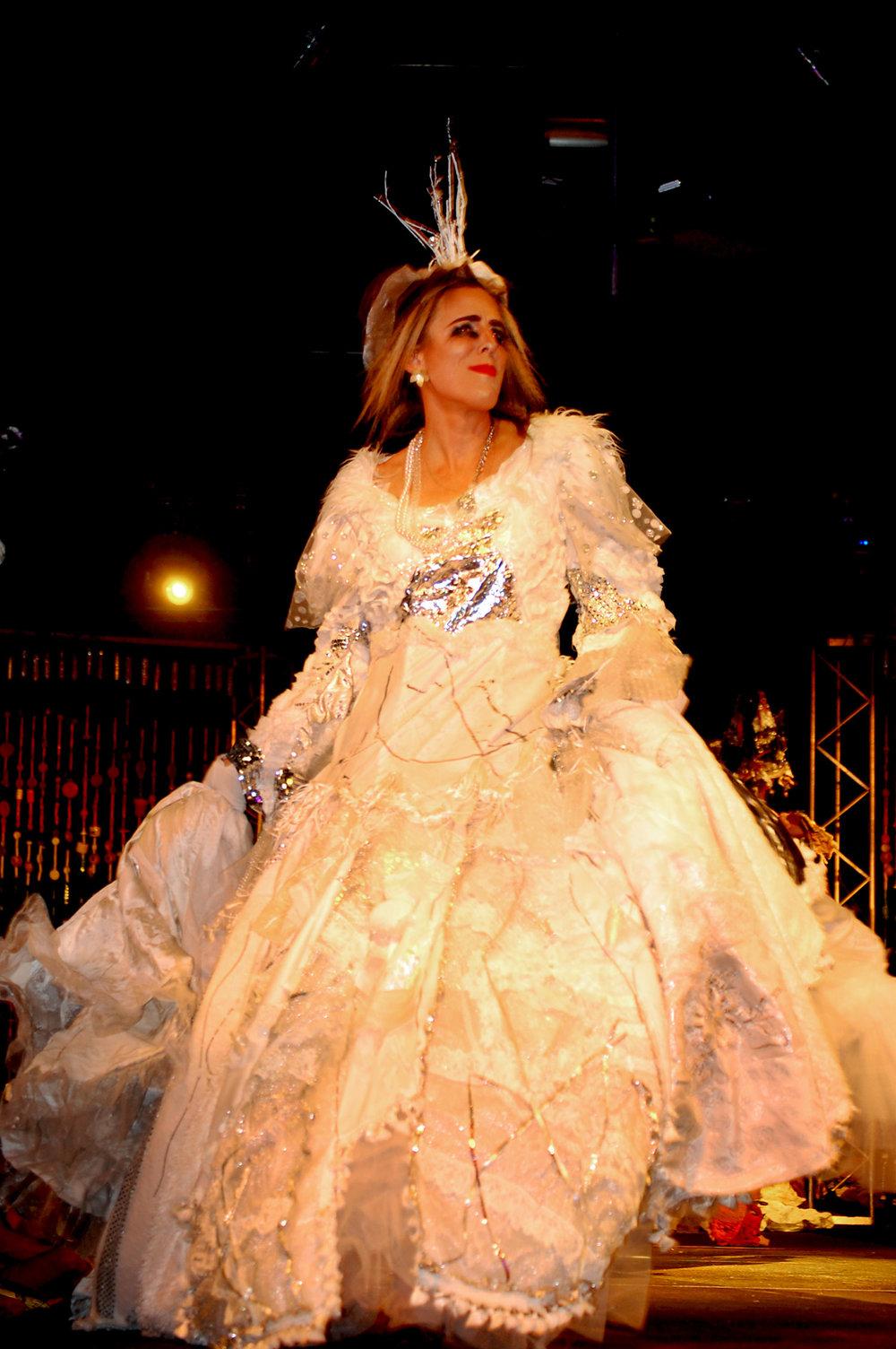 weddingdress3-julianb.jpg