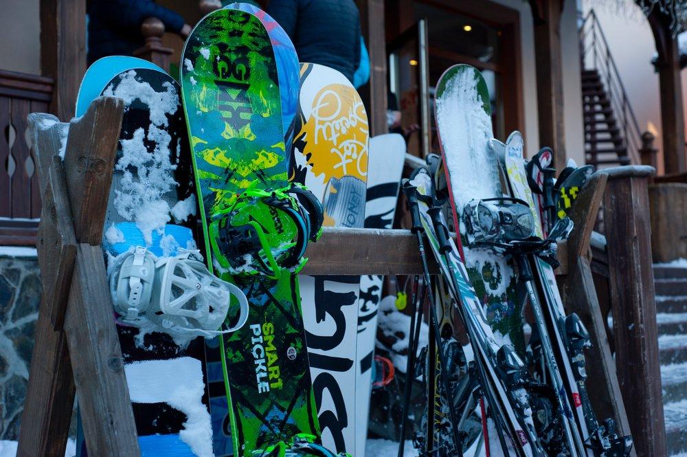 equipment-ice-ski-376697.jpg