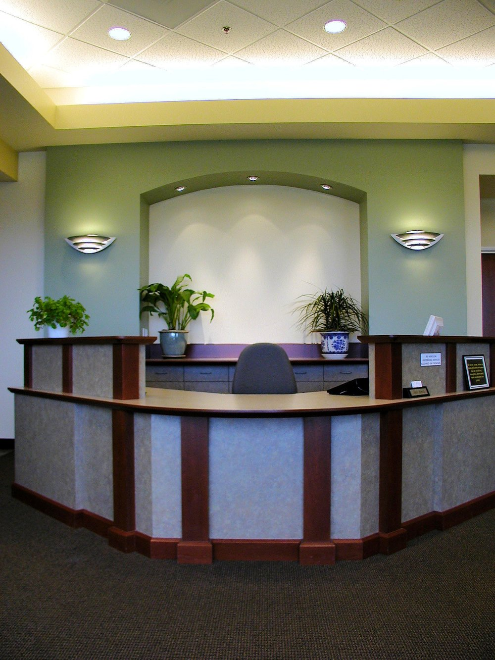 NTE_reception desk_01.jpg