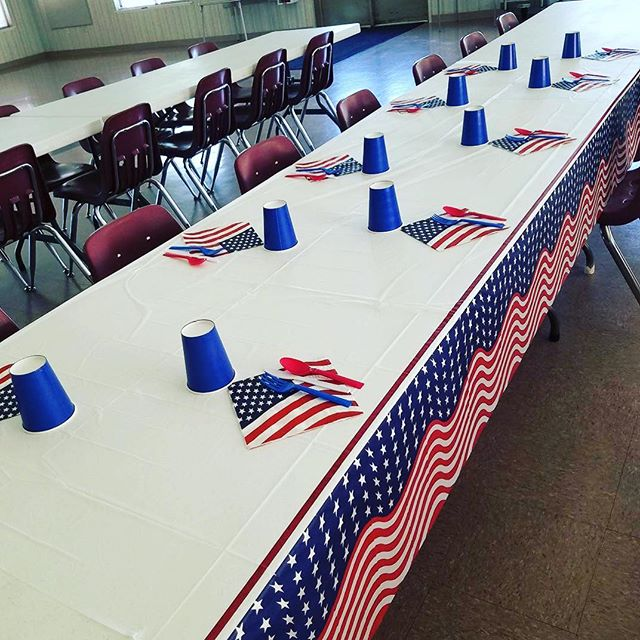 Getting ready for Flag Day lunch today at the Pomona Nutrition Site! 🇺🇸 #FlagDay2018 #MealsOnWheels #seniors