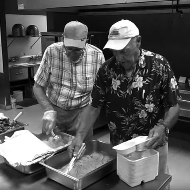MANP is a well-oiled machine, making hundreds of nutritious, hot #MealsOnWheels each day for #Kansas #seniors. Take a look at how it's done: http://ow.ly/Mkw030kqW6A