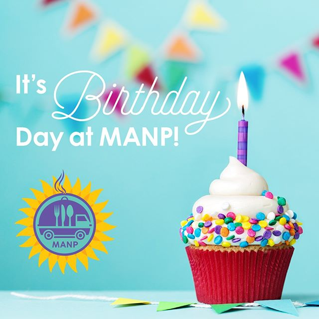 It's #Birthday Day at MANP nutrition sites! Today's menu: chicken fried chicken, mashed potatoes and gravy, green beans, roll, and of course — cake and ice cream. Happy June Birthdays! 🎉🎈🍰#MealsOnWheels #Kansas #Seniors