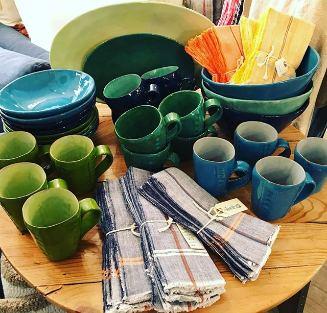 In love with these colors!! #brickyardmv #mv #marthasvineyard #handmade #summercolor #pottery #custom #shoplocalmv #shopmainstvh #visitvineyardhaven