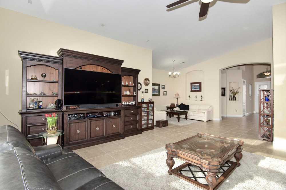 5917 W Cozumel Pl Las Vegas NV-large-006-31-LIVING ROOM-1499x1000-72dpi.jpg