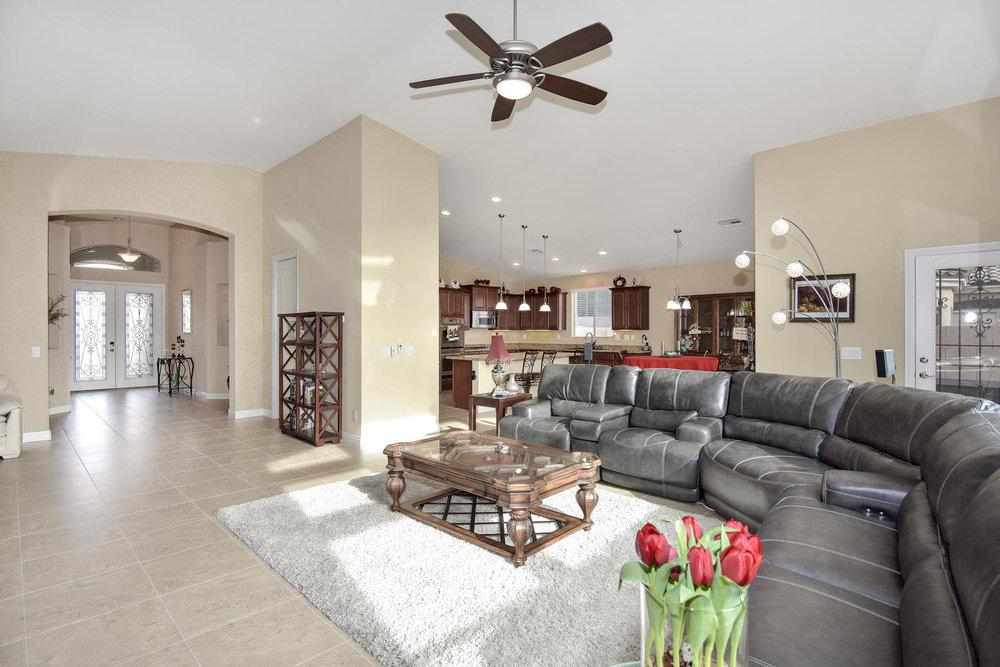 5917 W Cozumel Pl Las Vegas NV-large-007-10-LIVING ROOM-1499x1000-72dpi.jpg