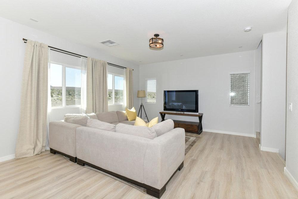6723 Haymarket St Las Vegas NV-large-003-2-Living Room-1500x1000-72dpi.jpg