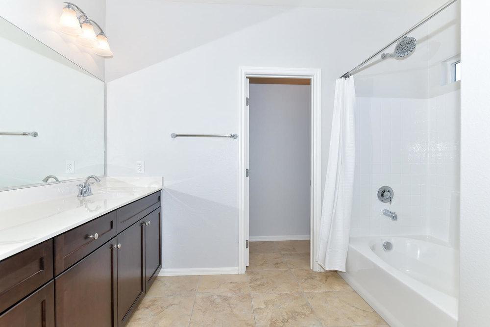 6723 Haymarket St Las Vegas NV-large-013-15-Master Bath-1500x1000-72dpi.jpg