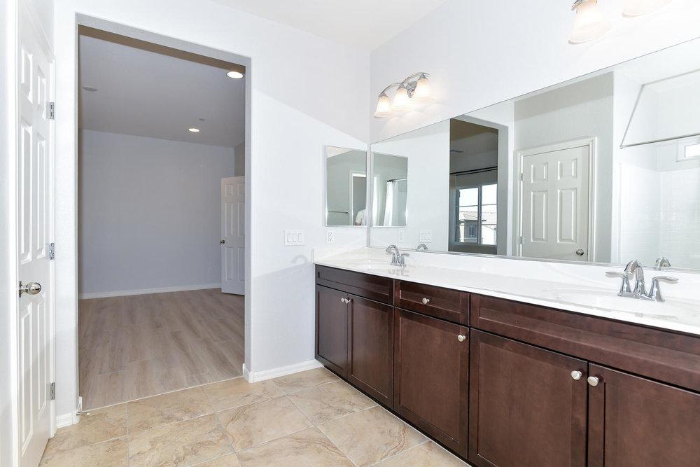 6723 Haymarket St Las Vegas NV-large-014-11-Master Bath-1500x1000-72dpi.jpg