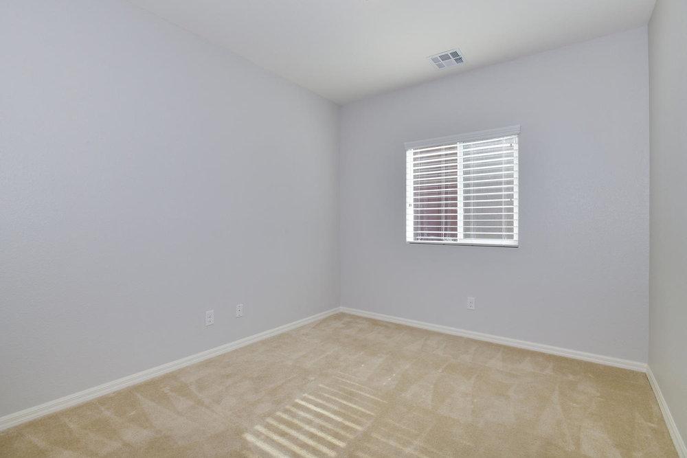 6723 Haymarket St Las Vegas NV-large-022-4-Bedroom 2-1500x1000-72dpi.jpg