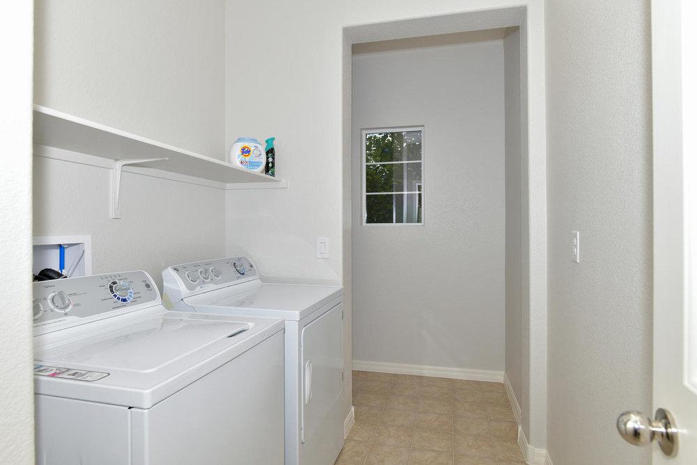 6723 Haymarket St Las Vegas NV-large-027-12-Laundry-1500x1000-72dpi.jpg