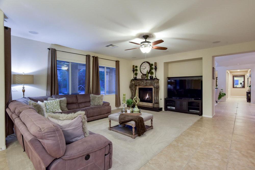 7509 Via Del Mar St Las Vegas-large-008-9-FAMILY ROOM-1499x1000-72dpi.jpg