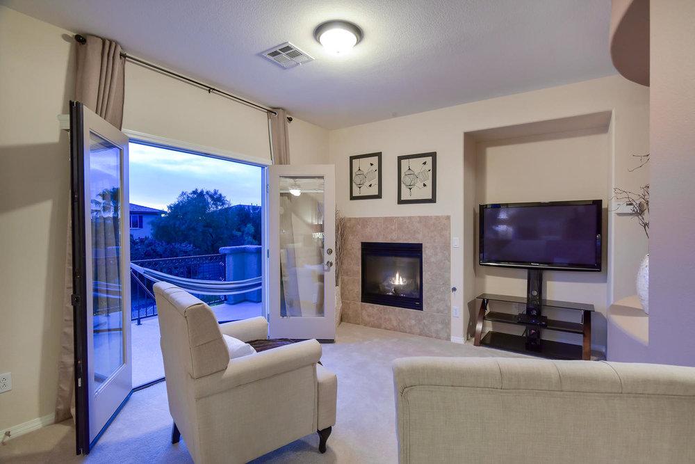 7509 Via Del Mar St Las Vegas-large-019-23-MASTER BEDROOM SITTING AREA-1499x1000-72dpi.jpg