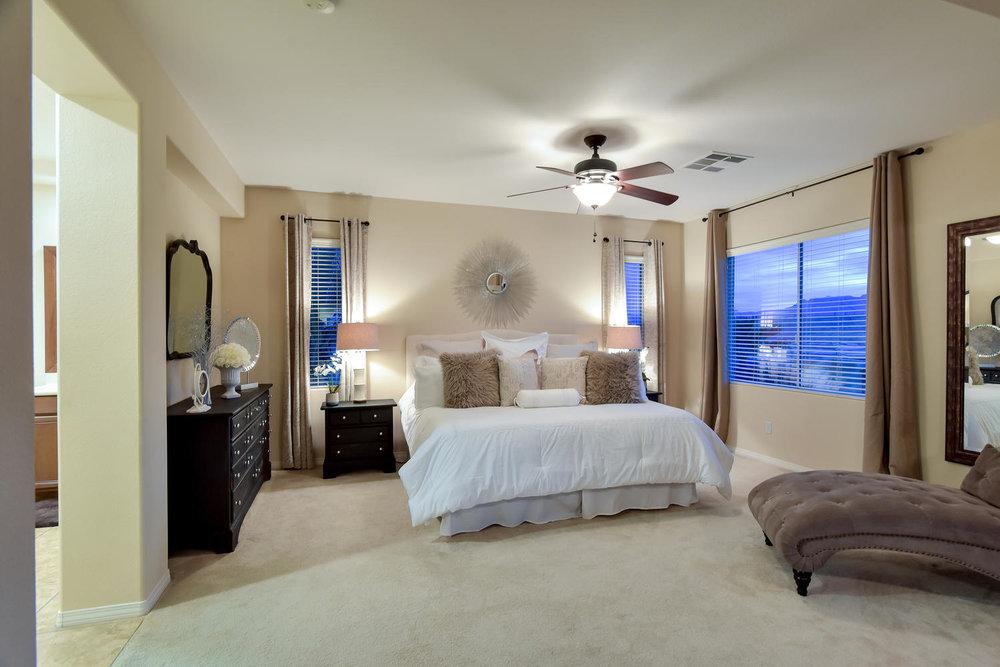 7509 Via Del Mar St Las Vegas-large-020-18-MASTER BEDROOM-1499x1000-72dpi.jpg