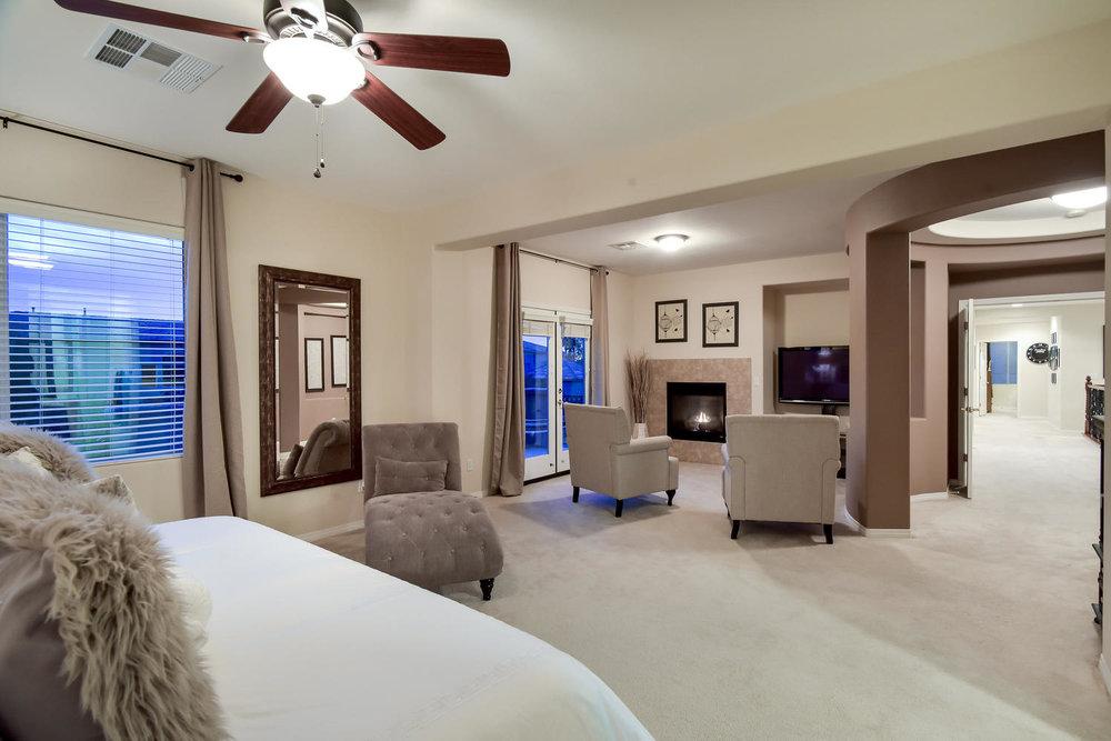 7509 Via Del Mar St Las Vegas-large-023-22-MASTER BEDROOM-1499x1000-72dpi.jpg