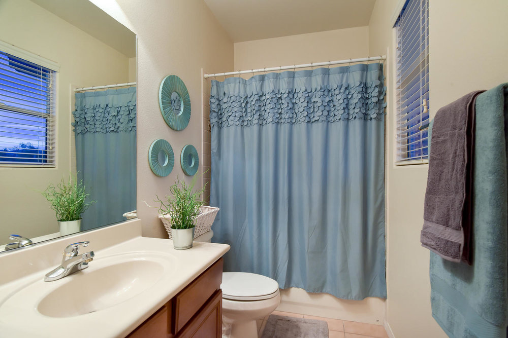 7509 Via Del Mar St Las Vegas-large-030-26-BEDROOM BATH-1499x1000-72dpi.jpg