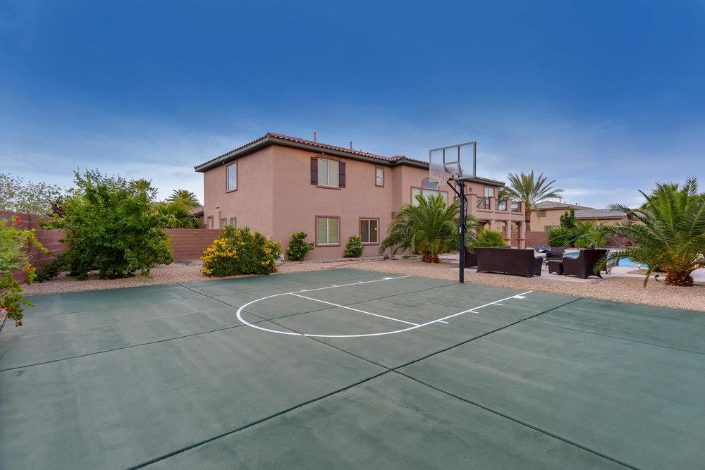 7509 Via Del Mar St Las Vegas-large-038-12-BASKETBALL COURT-1499x1000-72dpi.jpg