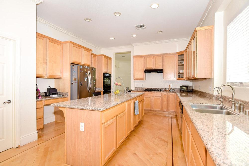 9025 Tierra Santa Ave Las-large-008-5-KITCHEN-1499x1000-72dpi.jpg