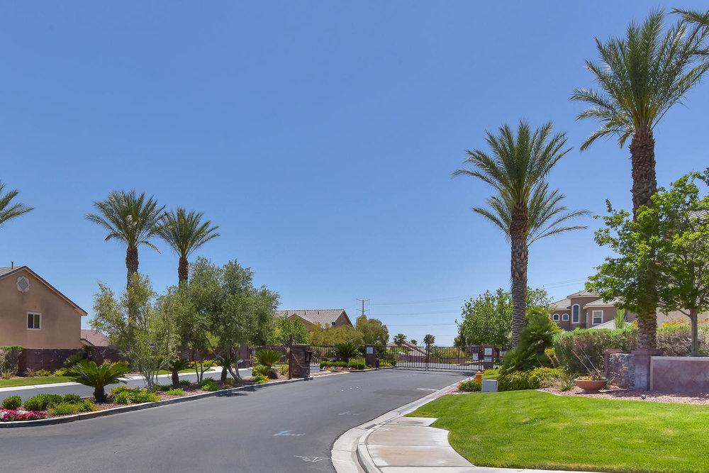 9025 Tierra Santa Ave Las-large-035-30-GATED COMMUNITY-1500x1000-72dpi.jpg