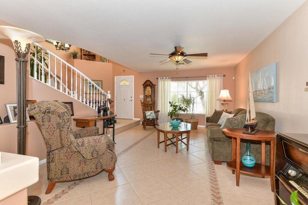 500 Mossy Bark Ct Las Vegas NV-large-007-9-Living Room-1500x1000-72dpi.jpg