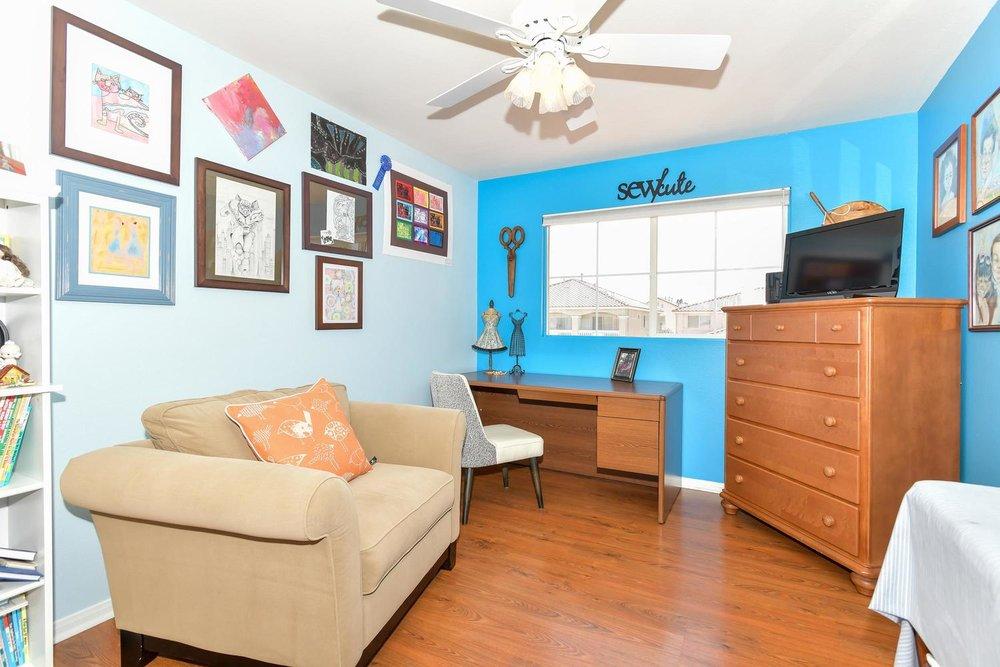 500 Mossy Bark Ct Las Vegas NV-large-023-18-Bedroom 5-1500x1000-72dpi.jpg