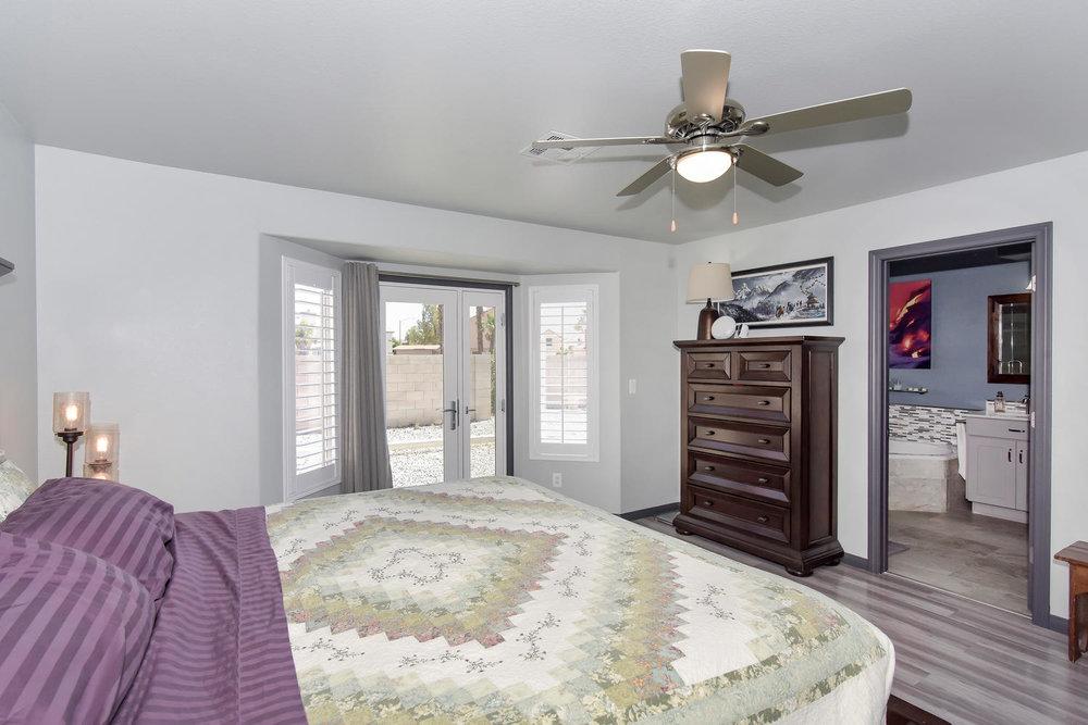 9101 Baysinger Dr Las Vegas NV-large-020-20-MASTER BEDROOM-1499x1000-72dpi.jpg