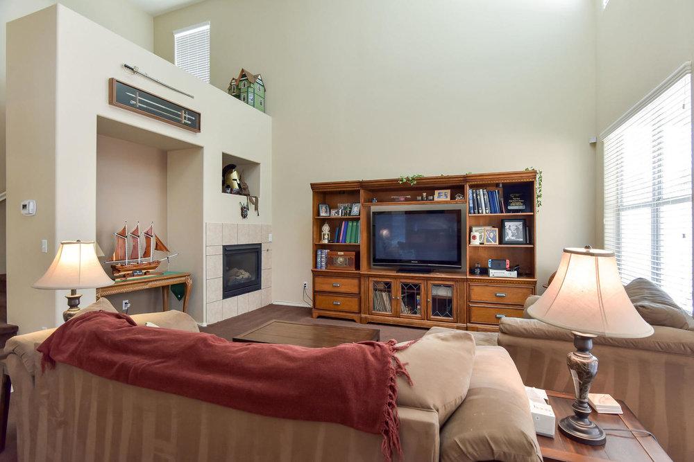 2536 Cattrack Ave Las Vegas NV-large-005-4-FAMILY ROOM-1499x1000-72dpi.jpg