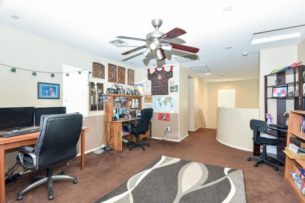 2536 Cattrack Ave Las Vegas NV-large-012-19-LOFT-1499x1000-72dpi.jpg