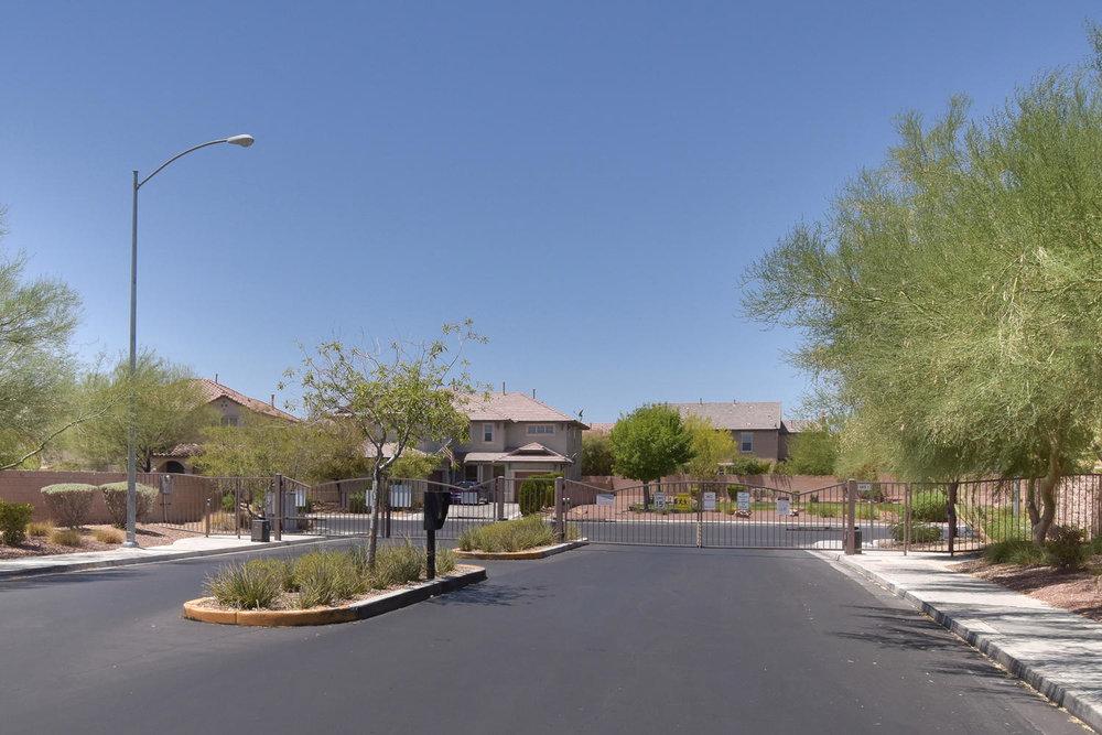 2536 Cattrack Ave Las Vegas NV-large-025-2-GATED COMMUNITY-1500x1000-72dpi.jpg