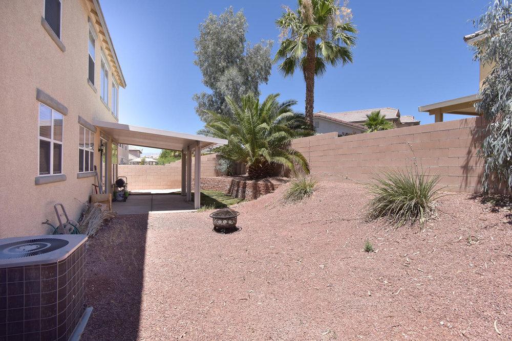 2536 Cattrack Ave Las Vegas NV-large-024-21-BACKYARD-1499x1000-72dpi.jpg