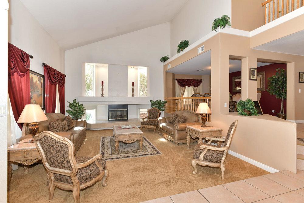 8720 W Gilmore Ave Las Vegas-large-003-8-LivingDining Room-1500x1000-72dpi.jpg