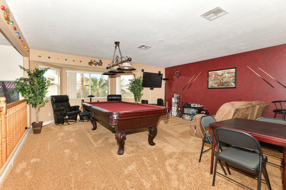 8720 W Gilmore Ave Las Vegas-large-009-15-Loft-1500x1000-72dpi.jpg