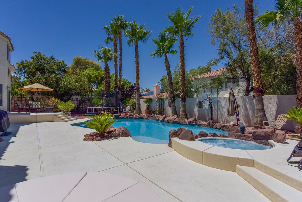 8720 W Gilmore Ave Las Vegas-large-012-5-Back Yard-1499x1000-72dpi.jpg