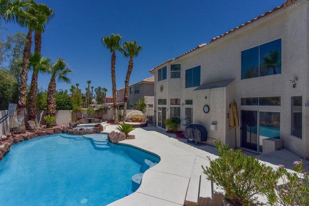 8720 W Gilmore Ave Las Vegas-large-014-4-Back Yard-1499x1000-72dpi.jpg