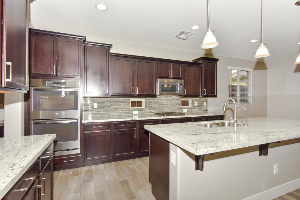 10524 Dove Meadow Way Las-large-012-8-KITCHEN-1499x1000-72dpi.jpg
