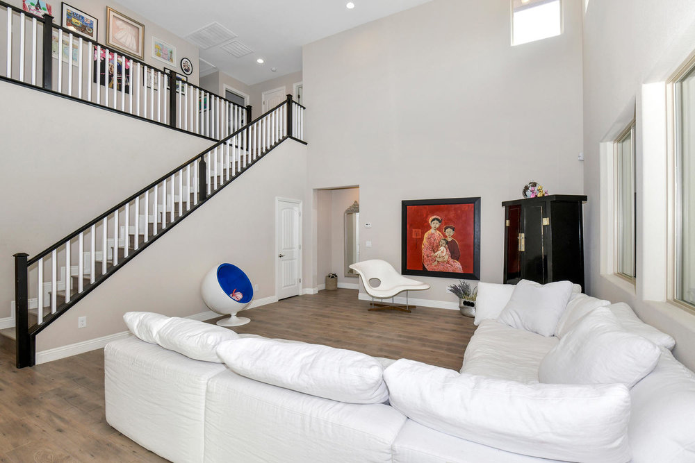 5857 Glory Heights Dr Las-large-007-8-Family Room-1500x1000-72dpi.jpg