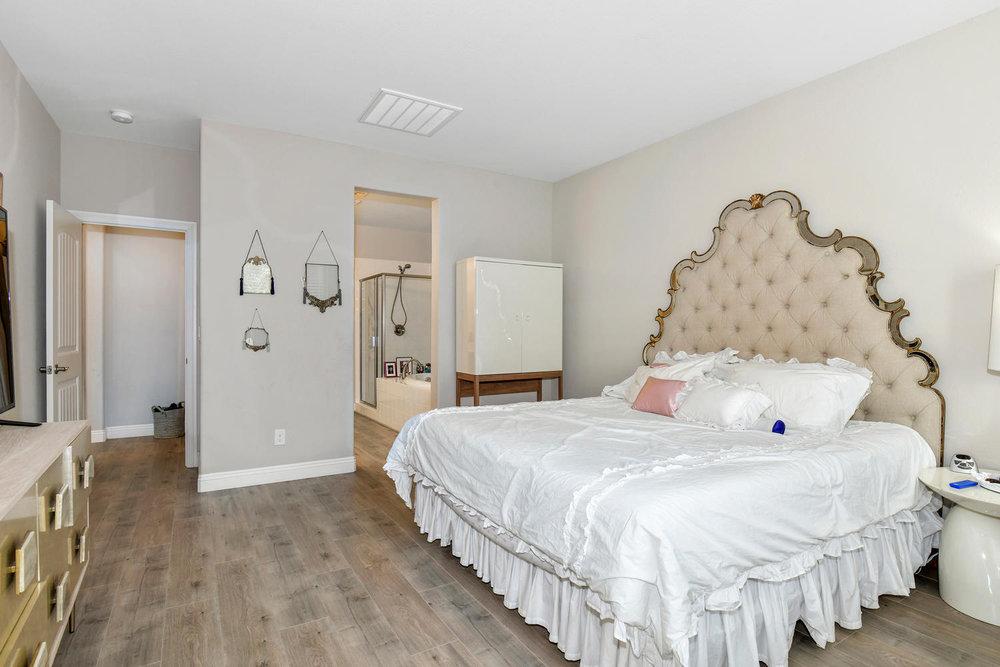 5857 Glory Heights Dr Las-large-014-11-Master Bedroom-1500x1000-72dpi.jpg
