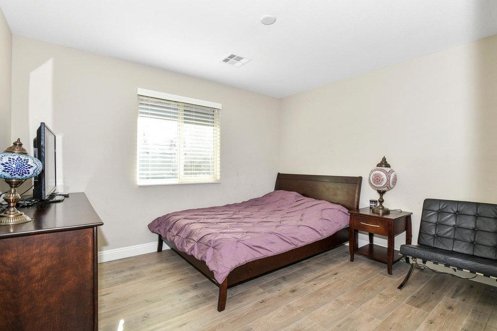 5857 Glory Heights Dr Las-large-021-2-Bedroom 3-1500x1000-72dpi.jpg