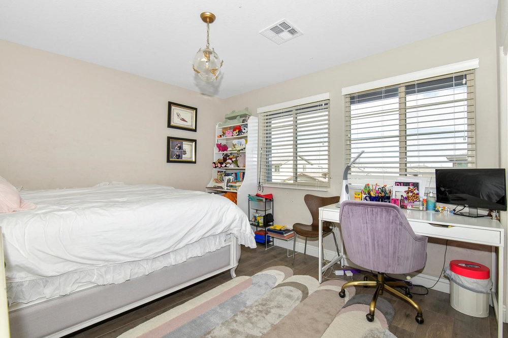 5857 Glory Heights Dr Las-large-022-18-Bedroom 4-1500x1000-72dpi.jpg