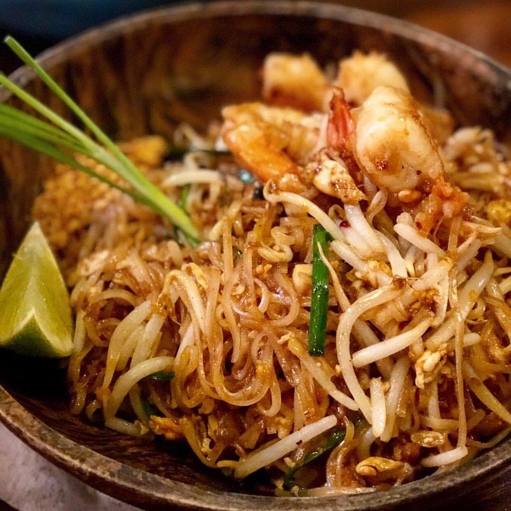 Pad Thai - Stir Fried Noodles With Egg, Dry Shrimp, Dry Turnip