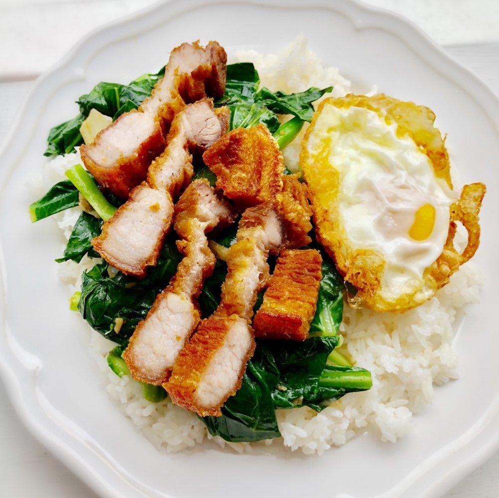 Khao Khana - Stir Fired Chinese Broccoli over Rice