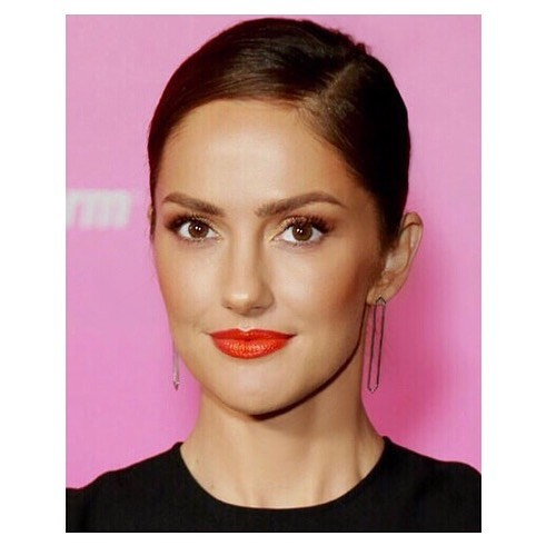 The most exquisite face 👸🏻➡️ @MinkaKelly X @ALMAawards 2018 . #Makeup: @allanface #Hair: @marcusrfrancis #Stylist: @josephcassell1 . #BeautyBreakdown: #Face: @DrunkElephant @DrunkElephant Protini Polypeptide Cream and C-Tango Multivitamin Eye Cream @ArmaniBeauty Luminous Silk Foundation @Narsissist Radiant Creamy Concealer and Soft Velvet Pressed Powder @Inglot X @Jlo Bronzer in Soleil @BeccaCosmetics Highlighting Powder in Rose Gold #Eyes: @LORACcosmetics Unzipped Gold Eyeshadow Palette @DiorMakeup Pump N Volume Mascara @Narsissist Brow Perfector @Glossier Boy Brow #Lips @BiteBeauty Lip Pencil in #72, Agave Lip Mask and Matte Lip Crayon in Blood Orange . #MinkaKelly #almaawards #BronzeBeauty #OrangeLip #glowing #allanface