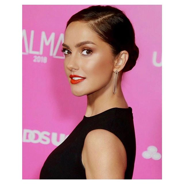 Her face is EVERYTHING... But then her heart surpasses that... ❤️❤️❤️➡️ @MinkaKelly X @ALMAawards 2018 . #Makeup: @allanface #Hair: @marcusrfrancis #Stylist: @josephcassell1 . #BeautyBreakdown: #Face: @DrunkElephant @DrunkElephant Protini Polypeptide Cream and C-Tango Multivitamin Eye Cream @ArmaniBeauty Luminous Silk Foundation @Narsissist Radiant Creamy Concealer and Soft Velvet Pressed Powder @Inglot X @Jlo Bronzer in Soleil @BeccaCosmetics Highlighting Powder in Rose Gold #Eyes: @LORACcosmetics Unzipped Gold Eyeshadow Palette @DiorMakeup Pump N Volume Mascara @Narsissist Brow Perfector @Glossier Boy Brow #Lips @BiteBeauty Lip Pencil in #72, Agave Lip Mask and Matte Lip Crayon in Blood Orange . #MinkaKelly #almaawards #BronzeBeauty #OrangeLip #glowing #allanface