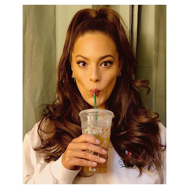 You're a tall glass of iced green tea glass *slurp ➡️ @ashleygraham (📸: @justinemarjan) . #Makeup: @allanface #Hair: @justinemarjan #EmotionalSupport: @iamdarsell . #AshleyGraham #SwimsuitsForAll #Foxy #Sexy #Goddess #Bronze #Glowing #Beauty #allanface