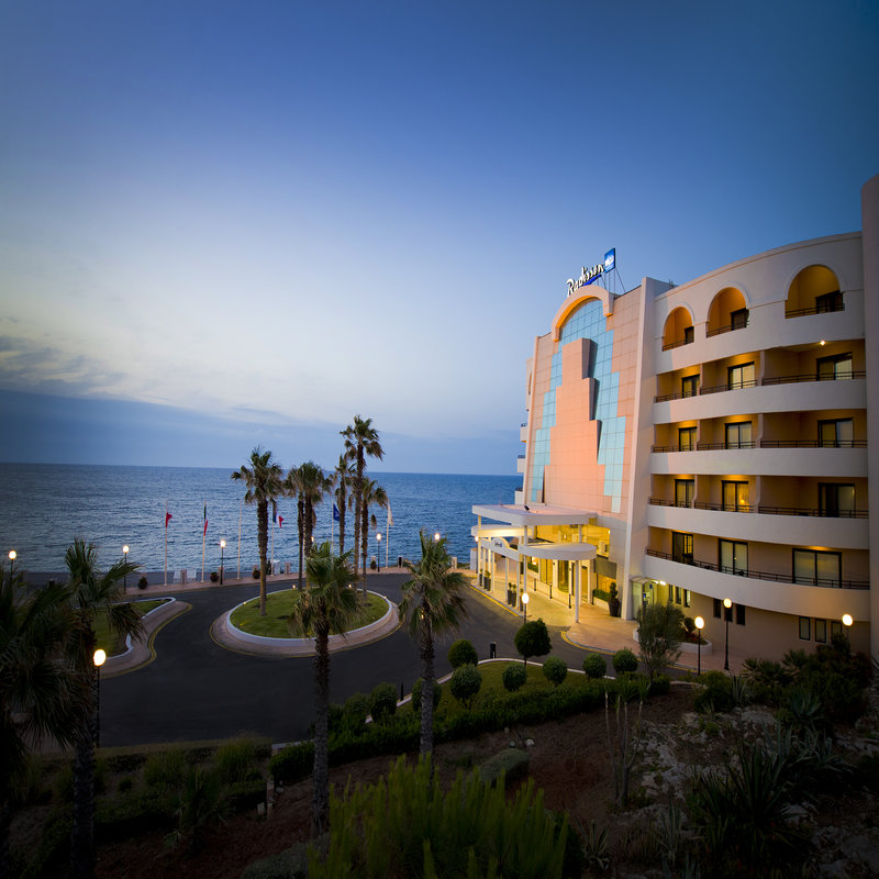 Radisson Blu Resort, Malta St. Julian's   St. Goerge's Bay, St. Julian's, STJ 3391  T: +356 21374894 E: info.stjulians@rdbmalta.com