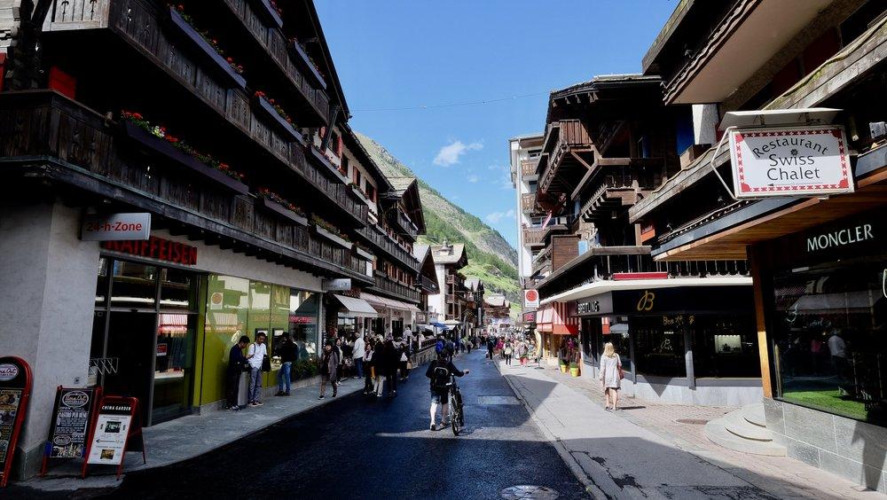 Zermatt, Bahnhofstraße