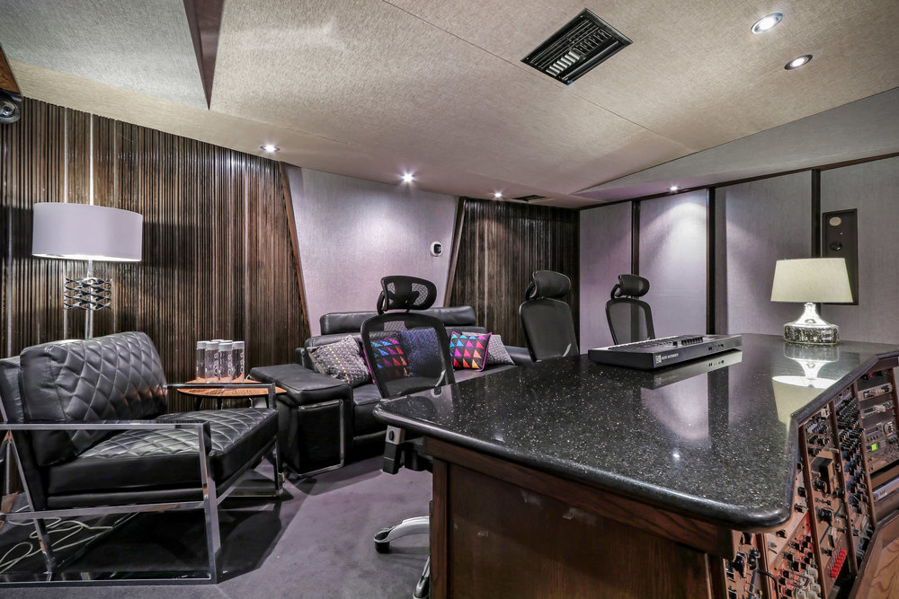 HighRes-real-estate-photography-Clearlake-Recording-Studio-16.jpg